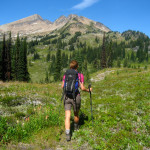 How To Hike Right To Save Your Knees
